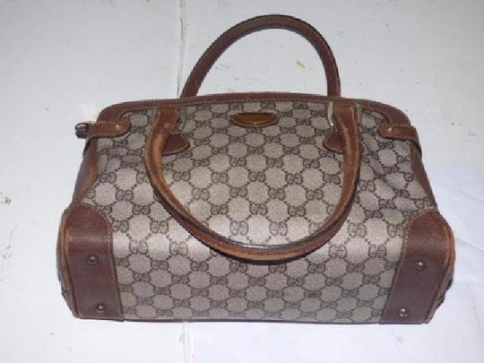 Gucci Doctor's Classic Style Great For Everyday Perfect Gg Web Style Satchel in brown large G logo coated canvas & brown leather Image 2