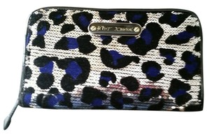 Betsey Johnson Betsey Johnson Silver Sequin And Velour Black And Blue Leopard Design Clutch
