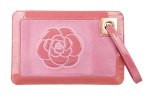 Chanel Quilted Interlocking Cc Gold Hardware Patent Leather Camellia Pink, Beige Clutch