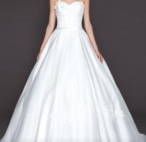 Winnie Couture Whitney 8443 Wedding Dress