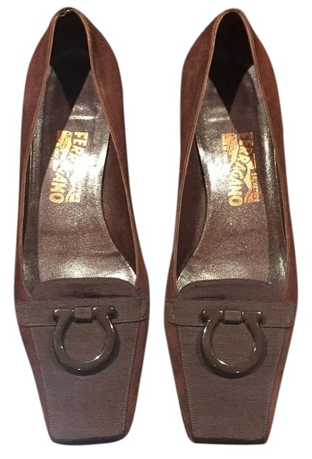 Item - Brown Almost New Small Heel Flats Size US 10.5
