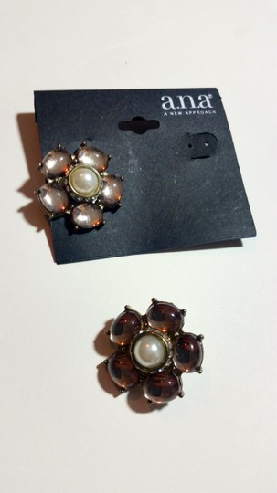 a.n.a. a new approach New a.n.a Flower Stud Earrings Light Pink Silver Chunky J3121 Image 1