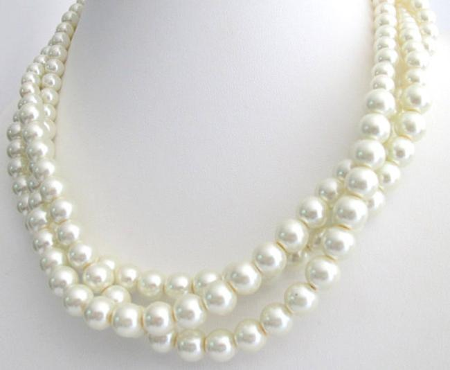 Item - White Pearl Statement Necklace Ivory Pearls Twisted Pearls Three Strand Other