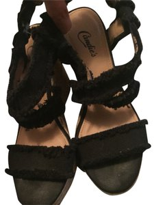 Candie's Black And Tan Sandals