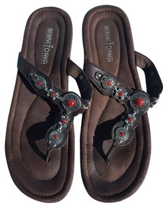 Minnetonka Leather Accents Brown with silver & red jewels Sandals