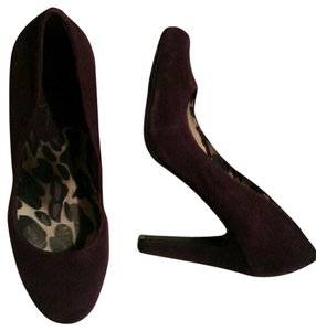 Jessica Simpson Suede deep burgundy Pumps