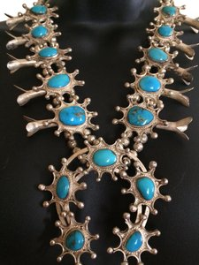 Other NAVAJO STERLING SILVER & TURQUOISE SQUASH BLOSSOM NECKLACE