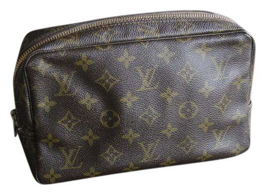 Preload https://item5.tradesy.com/images/louis-vuitton-mongram-trousse-23-toiletry-clutch-or-travel-cosmetic-bag-20649414-0-1.jpg?width=440&height=440