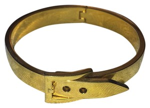 C. Wonder gold Buckle bracelet