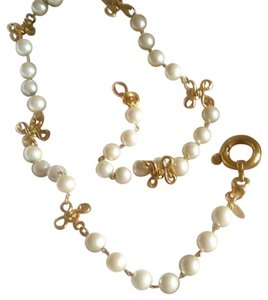 Chanel long pearl and gold necklace