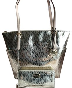 Michael Kors Tote in Mirror Pale Gold