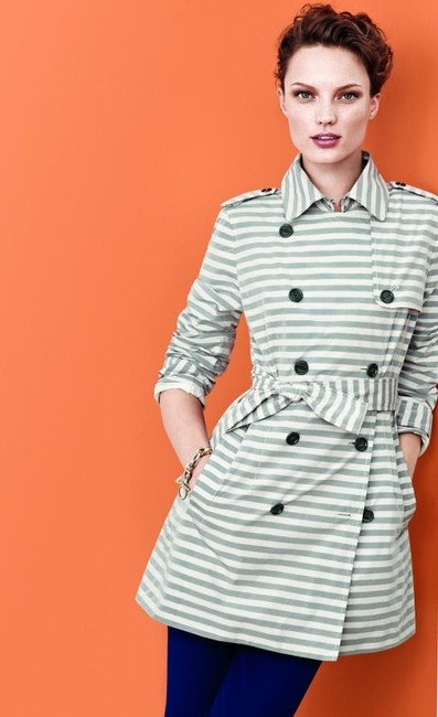 Item - Gray Cream Striped Belted Coat Size 6 (S)