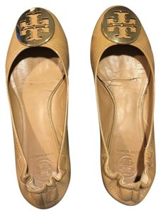 Tory Burch Nude and Gold Flats