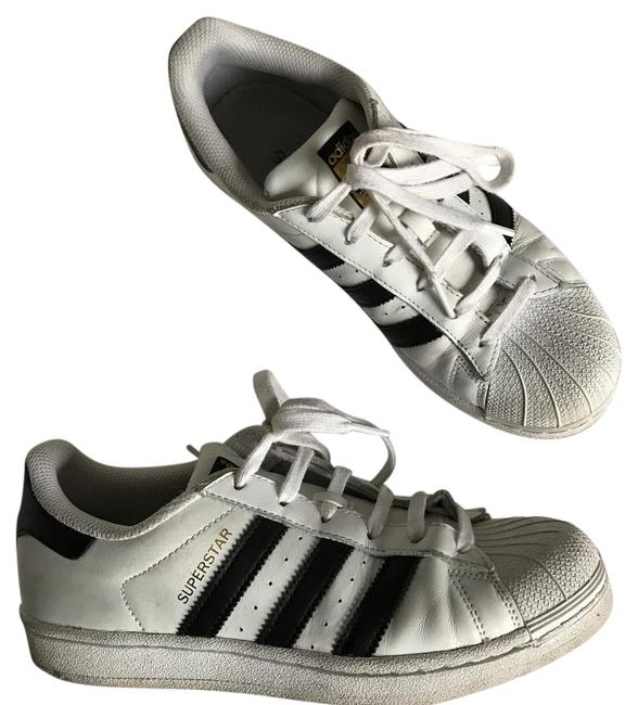 adidas White Superstar Sneakers Size US 7.5 Regular (M, B) adidas White Superstar Sneakers Size US 7.5 Regular (M, B) Image 1