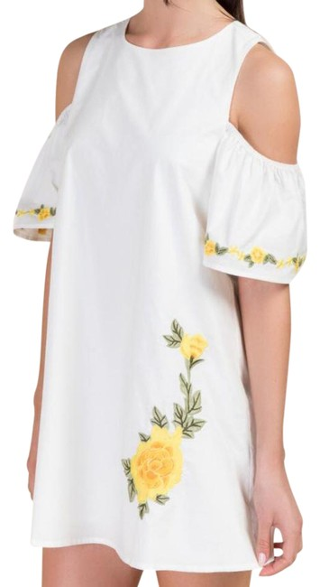 Preload https://img-static.tradesy.com/item/20652901/essentials-boutique-embroidered-cold-shoulder-short-casual-dress-size-2-xs-0-1-650-650.jpg