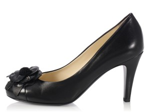 Chanel New Ch.k1122.08 Leather Flower Cap Toe Pumps