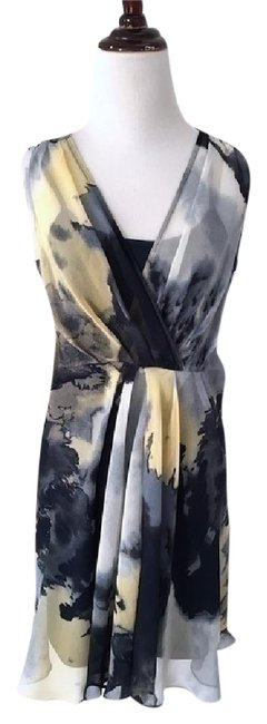 Simply Vera Vera Wang Gray Watercolor Fully Lined Front Pleats Mid-length Short Casual Dress Size 4 (S) Simply Vera Vera Wang Gray Watercolor Fully Lined Front Pleats Mid-length Short Casual Dress Size 4 (S) Image 1