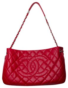 Chanel Quilted Valentine's Day Caviar Logo Leather Tote in Red