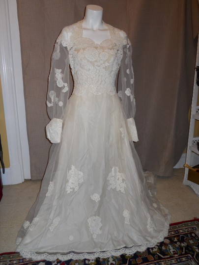 Preload https://item2.tradesy.com/images/ivory-unknown-handmade-vintage-wedding-dress-size-os-2065386-0-0.jpg?width=440&height=440