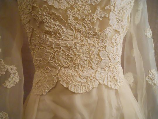 Ivory Unknown Handmade Vintage Wedding Dress Size OS