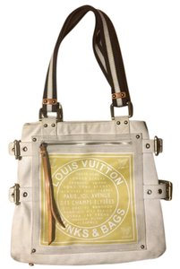 Louis Vuitton Tote in Light beige, yellow, white and brown