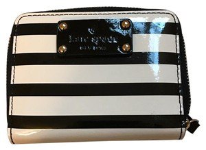 Kate Spade KATE SPADE MINI NEDA WELLESLEY PATENT STRIPE WALLET #WLRU1458
