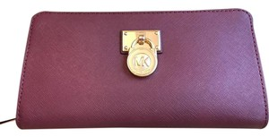 Michael Kors NEW Hamilton Traveler Merlot Saffiano Leather Wallet MSRP $168