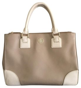 Tory Burch Tote in Beige/cream
