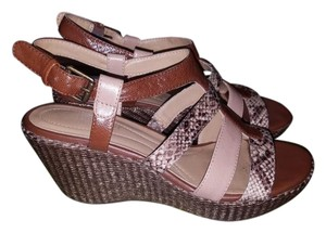 Naturalizer Taupe/Natural Sandals