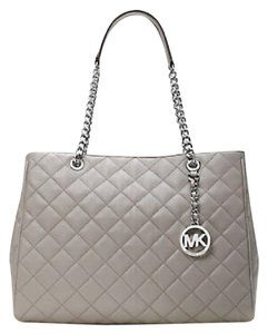 Michael Kors Tote in Gray silver