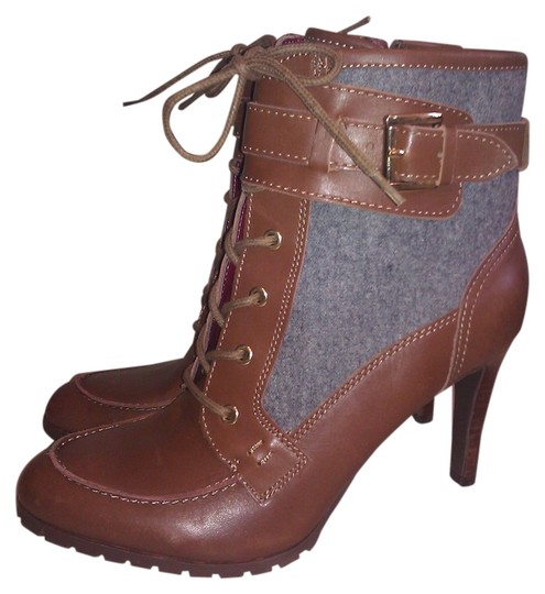 Preload https://item3.tradesy.com/images/tommy-hilfiger-brown-new-lucinda-lace-up-ankle-leather-bootsbooties-size-us-85-regular-m-b-2066087-0-0.jpg?width=440&height=440