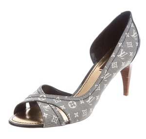 Louis Vuitton Denim Peep Toe Lv Monogram Patent Leather Idylle Blue, Beige Pumps