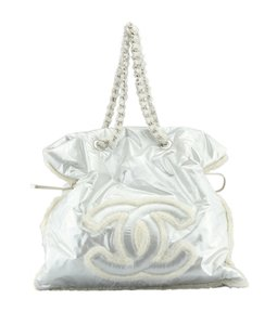 Chanel Silver & Cream Tote in Silver,Cream