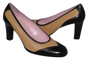 Isaac Mizrahi Wingtip Leather New Nude / Black Pumps