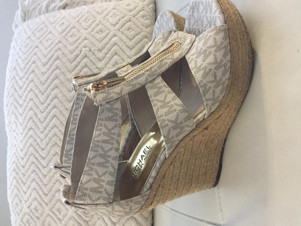 a140b743c146 Michael Kors Leather Gold Hardware White with logo Sandals Image 10.  1234567891011