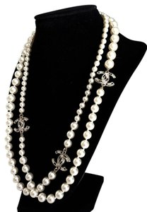 Chanel BRAND NEW Chanel Classic White Pearl Necklace 3 Crystal CC