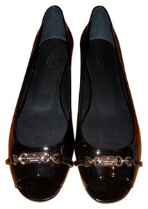 Gucci Peep Toe Open Toe Patent Leather Black Flats