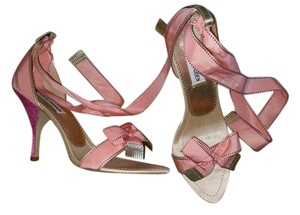 Steve Madden Peach/Pink/Gold Sandals