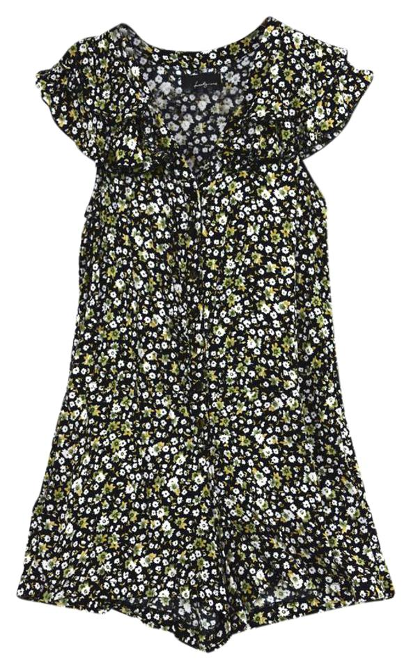 f5ff51348ba6 Forever 21 Floral Cute Romper Jumpsuit - Tradesy