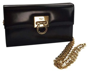 Salvatore Ferragamo Dior Louis Vuitton Chanel Burbbery Clutch