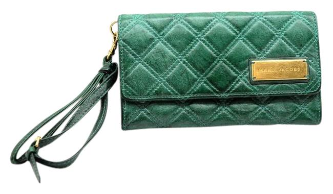 Item - Quilted Wallet Green Leather Wristlet
