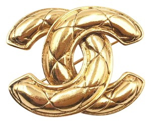 Chanel Vintage Chanel Gold Plated CC Quilted Small Brooch