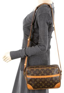 Louis Vuitton Trocadero 28 Odeon Saumur Danube Nile Shoulder Bag