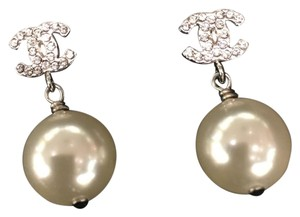 Chanel Chanel Classic Pearl Drop Earrings in Silver with Crystals