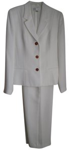 Casual Corner Winter White Pant Suit