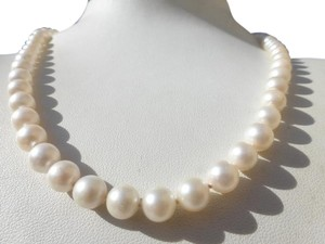 Unique Vintage BEAUTIFUL Vintage CULTURED PEARL NECKLACE Nice 14k White Gold Sapphire