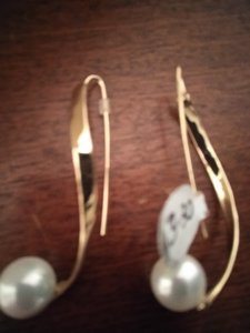 Other New golden metal with fake pearl earrings