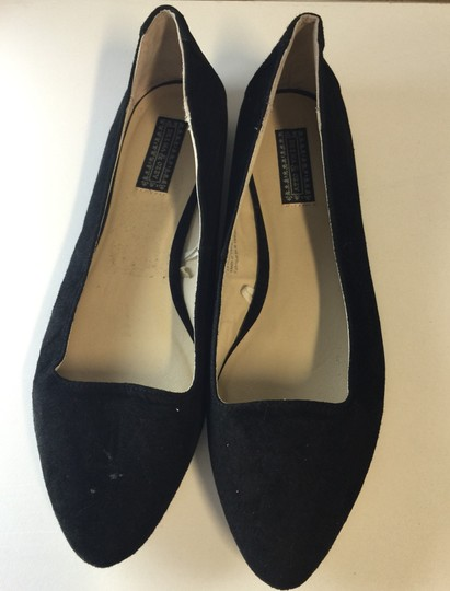 Deena & Ozzy Urban Outfitters Size 7.5 Black Flats