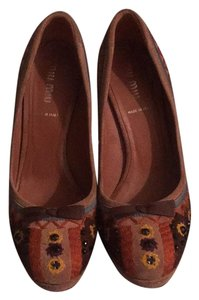 Miu Miu Tan, Multi Pumps