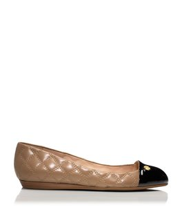 Tory Burch Quilted Nude/black toe Flats
